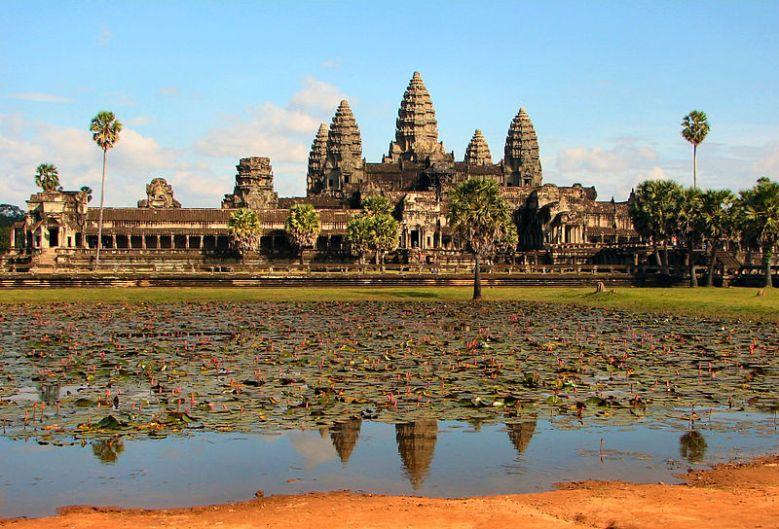 AngkorWat01_by_bjørn_christian_tørrisse