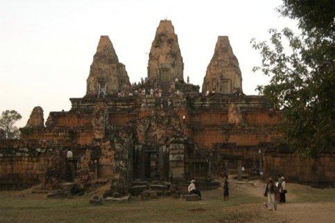 AngkorWat11_by_raymund_martelino