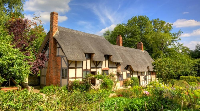shakespeare_stratford07_by_about_britain-com